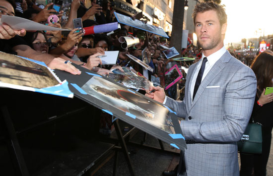 060437_739869_Chris_Hemsworth__AP