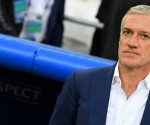 France's coach Didier Deschamps readies for the start of the Euro 2016 group A football match between France and Albania at the Velodrome stadium in Marseille on June 15, 2016. / AFP PHOTO / FRANCK FIFE