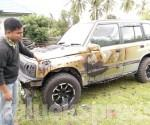 mobil_nyaris_ludes_small