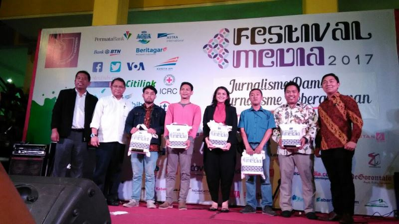 Humas Kemensos Raih Indonesia Data Driven Journalism 2017